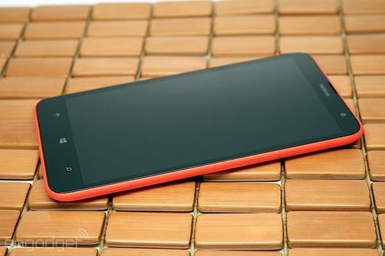 诺基亚Lumia 1320:一款平庸的超大号手机