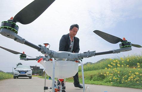 湖南衡陽:種植大戶迷上植保無人機