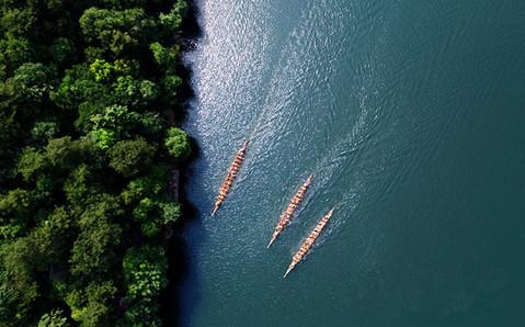 長沙石燕湖舉行龍舟環島競速賽迎端午