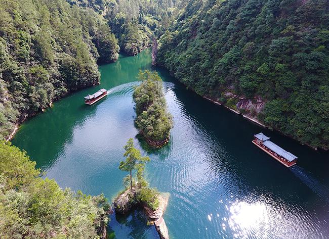山水寶峰湖 避暑清涼遊