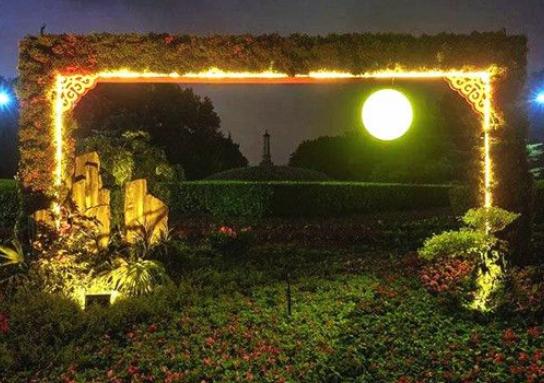 """看!烈士公園升起一輪""""明月"""" 但這個""""月亮""""有點特別"""