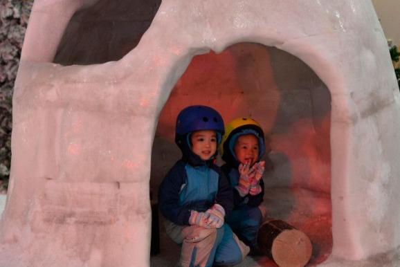 """滑真冰、遊冰雪樂園,長沙夏日""""冰雪消費""""成爆款"""