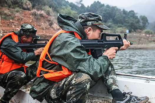 組圖丨直擊湖南武警特戰隊員野外駐訓