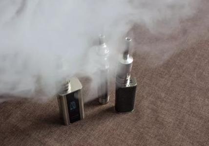 抽電子煙上癮需戒毒?小心內含合成大麻素!