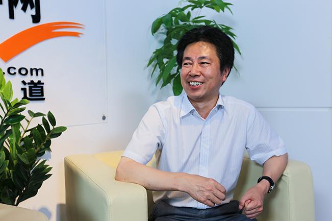 湖南科技学院院长曾宝成
